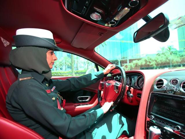 In Image Conscious Dubai Even Police Patrol In Luxury Cars World