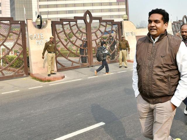 Kapil Mishra,RSS,street artists