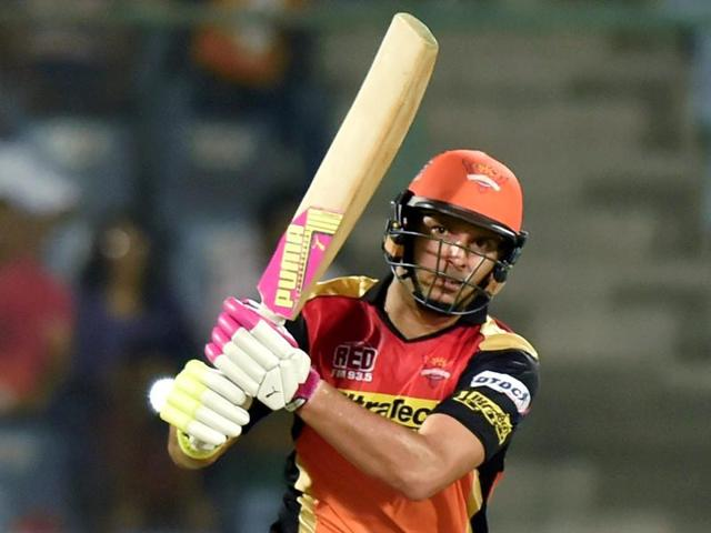 Yuvraj Singh propped Sunrisers Hyderabad innings to 162 with a 30-ball 44 against Kolkata Knight Riders.