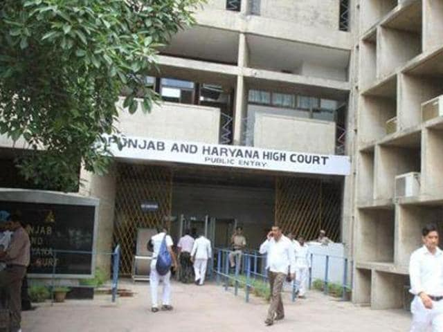 Punjab and Haryana high court,HC orders probe,illegal detention