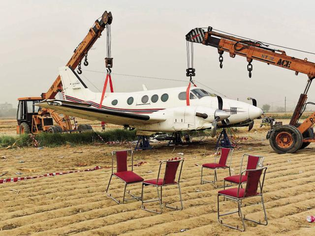 Beechcraft King Air C-90,crash-land,air accident