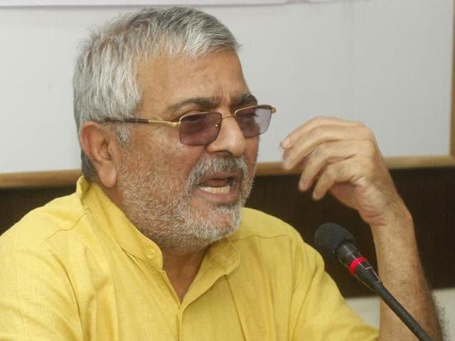 Dr Dharamvira Gandhi,Sukhbir Badal,AAP