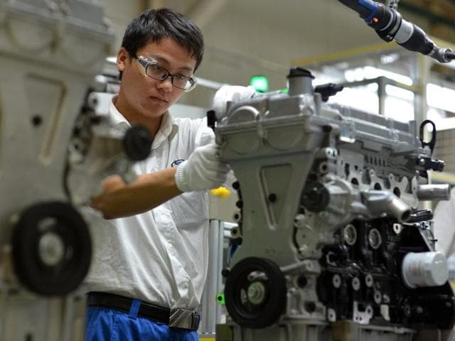 General Motors Co.'s main Chinese joint venture Shaghai-GM is recalling 2.2 million cars to deal with insufficient corrosion resistance on crankcase valves.