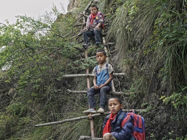 China,Schoolchildren,Sichuan province