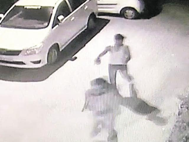 Suspects in the murder of a Congolese man in New Delhi can be seen in this CCTV video grab. The murder of the has snowballed into a diplomatic issue.