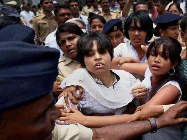 Trupti Desai,Women activist,Trupti desai attacked in Nashik