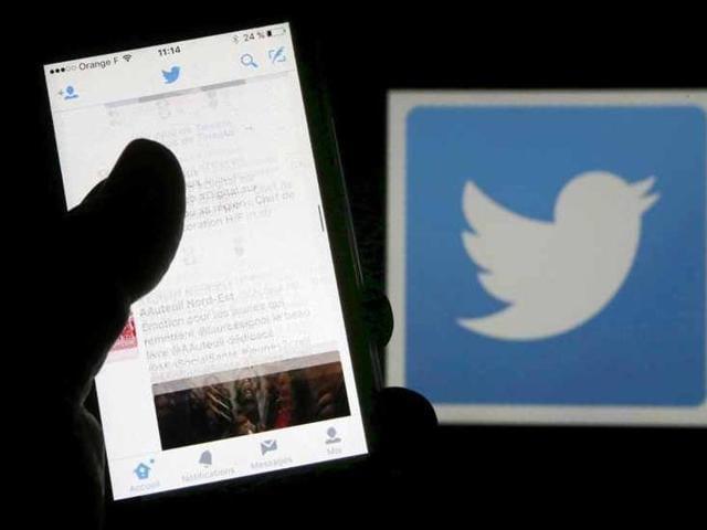 Twitter,facebook,internet