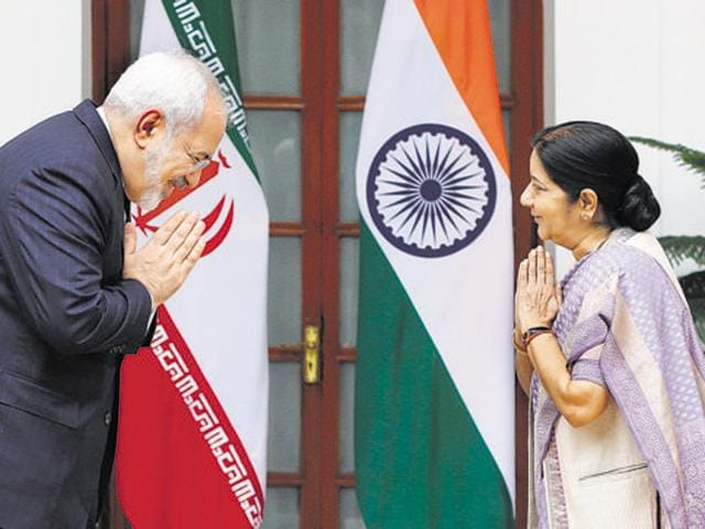 India's foreign minister Sushma Swaraj (right) and her Iranian counterpart Mohammad Javad Zarif before their meeting in New Delhi in August last year. Iran is open to Indian private companies investing in the development of Chabahar port, Zarif had said.