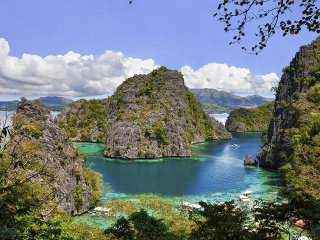El Nido in Philippines was voted the world's best beach for the second year in a row by readers of Condé Nast Traveler.