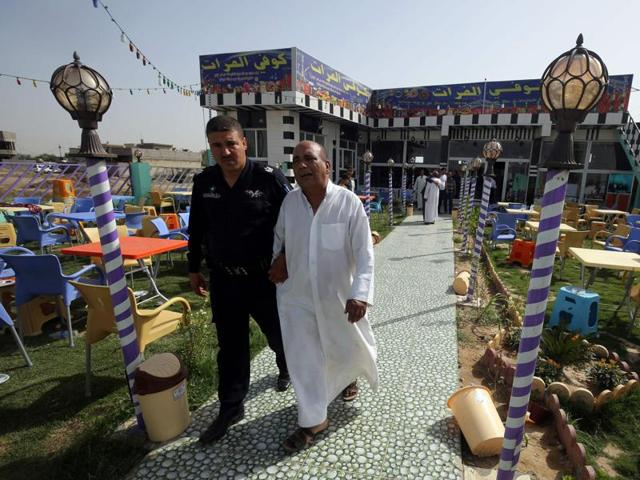Iraq cafe attacked by IS