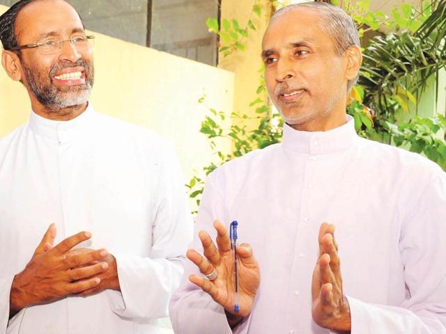Kerala bishop donates kidney for Hindu man,Jacob Muricken,Syro-Malabar church
