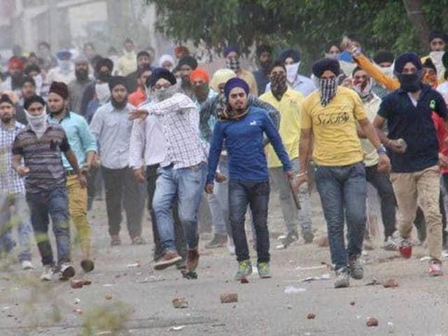 Sikhs protest in Kashmir, raise pro-Khalistan slogans