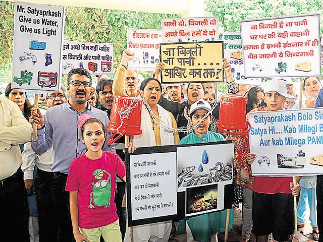 Residents of DLF Phase-1 and 3 on Monday protest against the Gurgaon administration over the acute to water crisis and long outages.