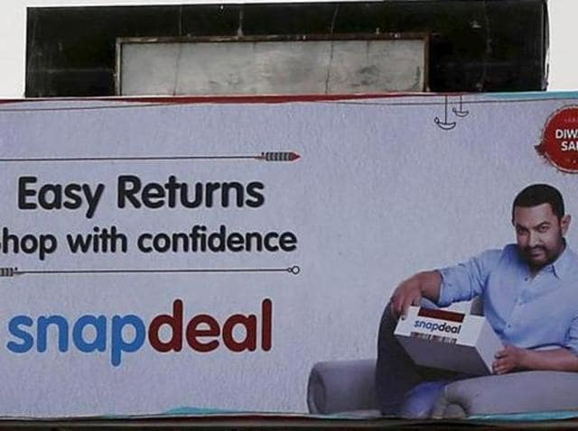 An advertisement of Indian online marketplace Snapdeal featuring Bollywood actor Aamir Khan, in Mumbai, India, October 16, 2015.