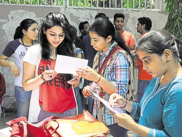 Delhi University,college admissions,undergraduate degree