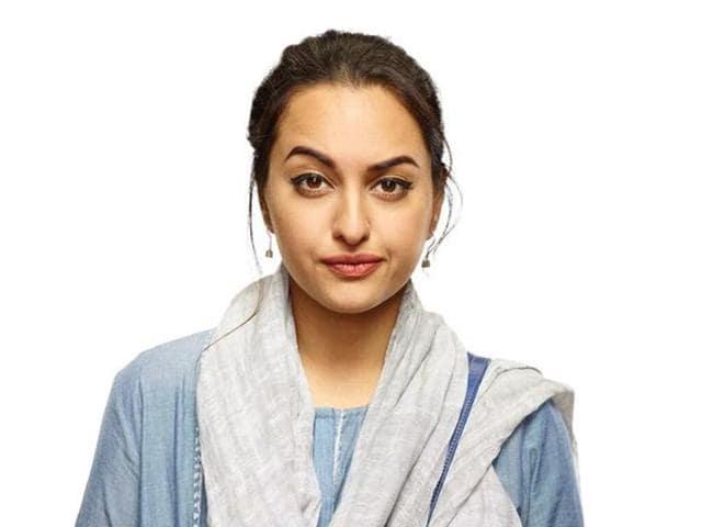 Sonakshi Sinha as 20-year-old journalist Ayesha in Noor.