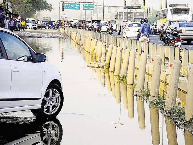 The NHAI is coordinating with Gurgaon civic agencies to deal with issues such as waterlogging on the expressway and service lanes.