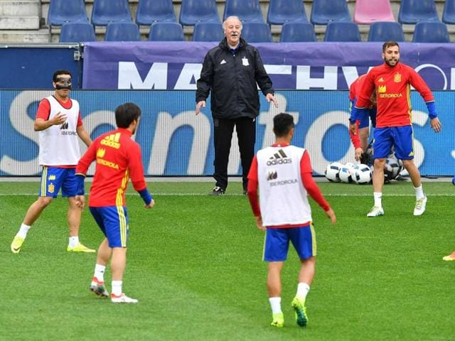 Spain's head coach Vicente del Bosque addresses a press conference at Red Bull stadium in Salzburg, Austria.