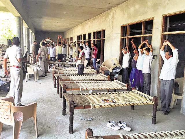 The police arrested relatives of Anil Dujana for illegal possession of arms last month.