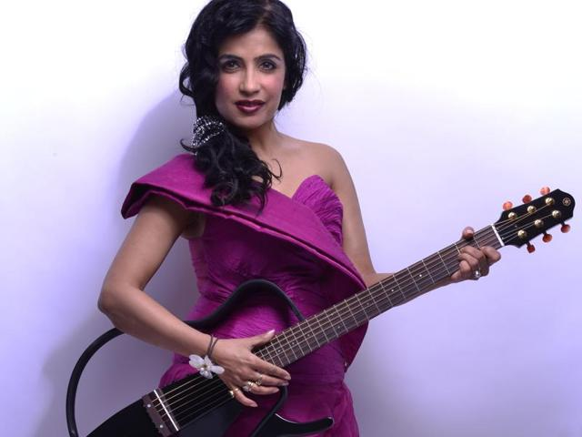 Playback singer Shibani Kashyap recently performed at a function that was organised for the Indian Army jawans in the Rajouri district of Jammu & Kashmir.