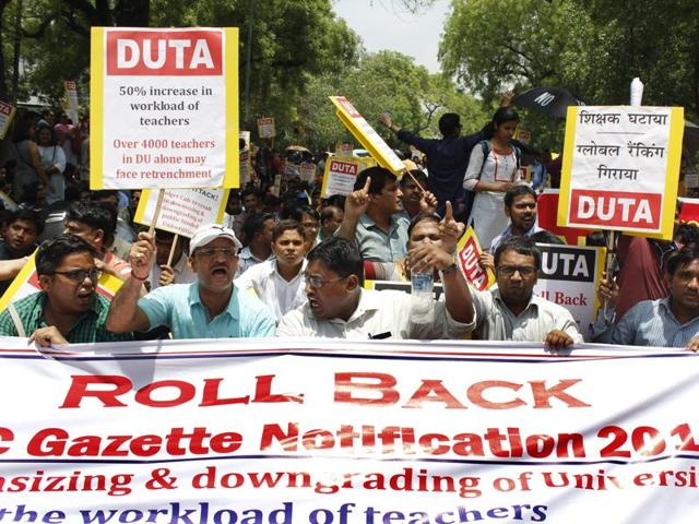 DUTA members demanding rollback of the UGC notification at Jantar Mantar.