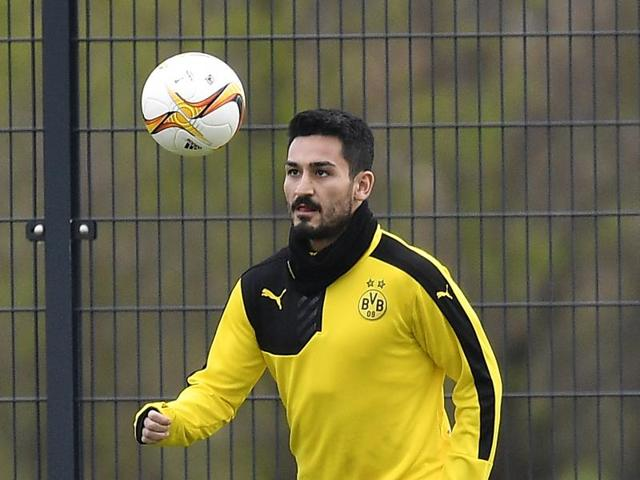 Dortmund's Ilkay Gundogan plays the ball during the last training session prior the Europa League quarterfinal match between Borussia Dortmund and Liverpool FC in Dortmund, Germany.