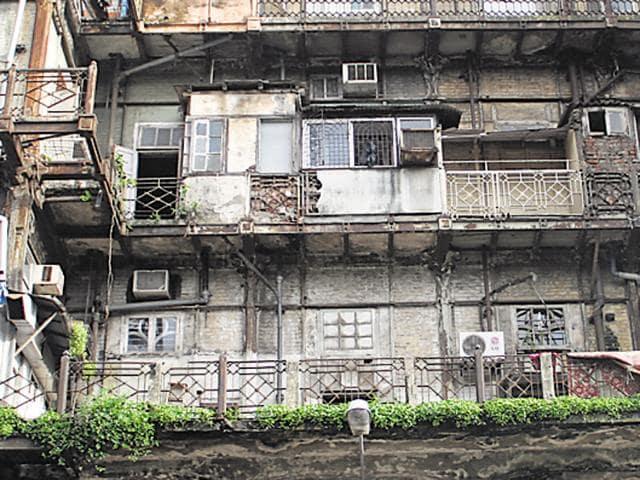 MHADA,Dangerous buildings in Mumbai,Mumbai