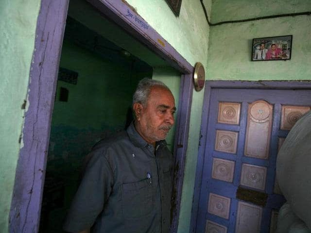 Qasambhai Allahnoor Mansoori lost 19 members of his family in the Gulberg Society massacre. He continues to live in his house in Gulberg while other surviving members of his family have moved out to other parts of Ahmedabad.