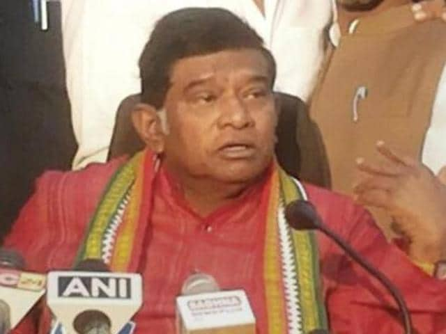 Former chief minister of Chhatisgarh Ajit Jogi addressing a press conference in Raipur.