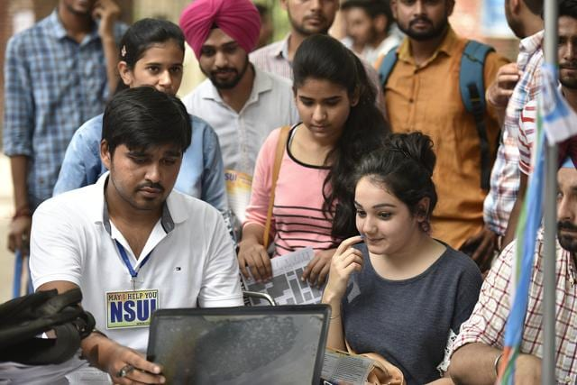 The number of applications for Delhi University undergraduate courses crossed 1 lakh within just three days of the opening of the admission process.