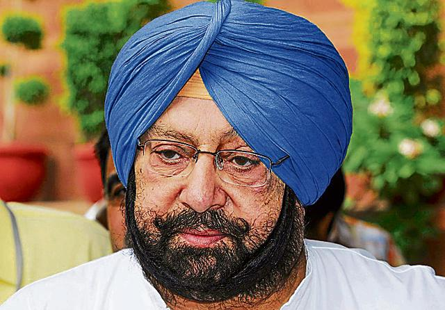Amarinder led a party delegation and submitted a memorandum to the CEC, accusing the ruling Akali-BJP combine of preparing bogus votes on a large scale.