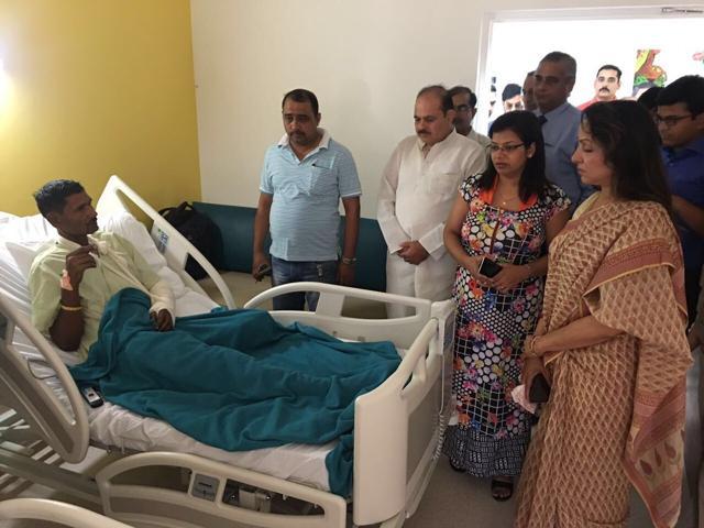 Hema Malini met the family members of SP City Mukul Dwivedi & expressedher condolences on Saturday.