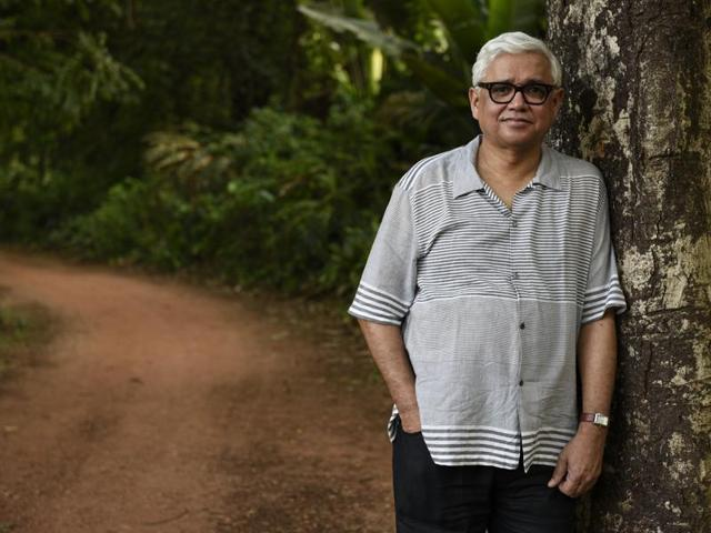 Amitav Ghosh says that artistes need to create a narrative around climate change.