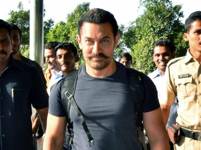 Bollywood superstar Aamir Khan has lost 25 kg by walking over 1,000 km in four months.