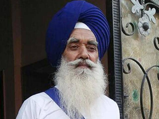 In defiance of the transfer order, 'ardasia' Balbir Singh staying home in Amritsar on Saturday.