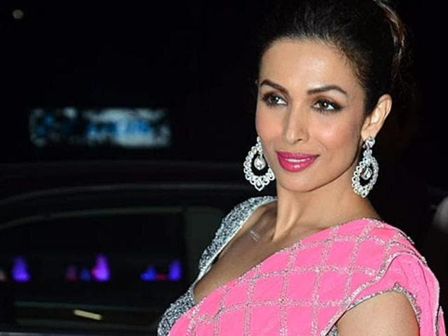 Malaika almost slipped and fell off the train while shooting for Chaiyya, chaiyya