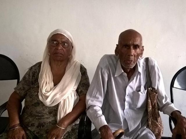 Madho Ram and Kalawati waiting at the mini-secretariat.