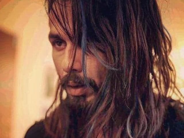 Shahid Kapoor plays Tommy Singh, a popstar in Udta Punjab.