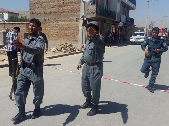 Taliban attack,Afghanistan,Taliban gunmen storm court
