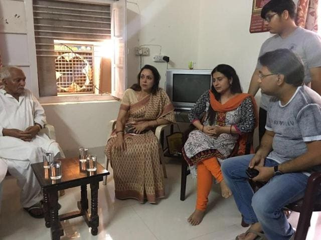 Mathura MP Hema Malini meets the family of superintendent of police (city) Mukul Dwivedi who was killed in clashes during an anti-encroachment drive at Jawahar Bagh area.