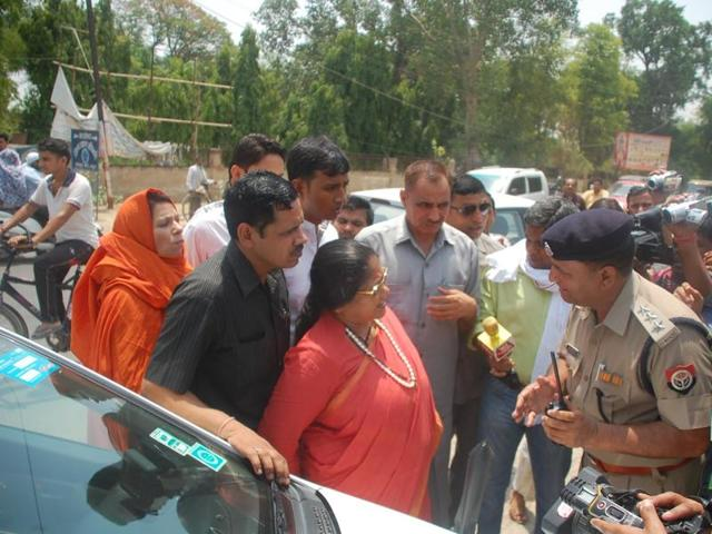 Authorities  stopped Union minister Sadhvi Niranjan Jyoti outside Jawahar Bagh, prompting the Hindu leader to allege that the Samajwadi Party was complicit in the violence.
