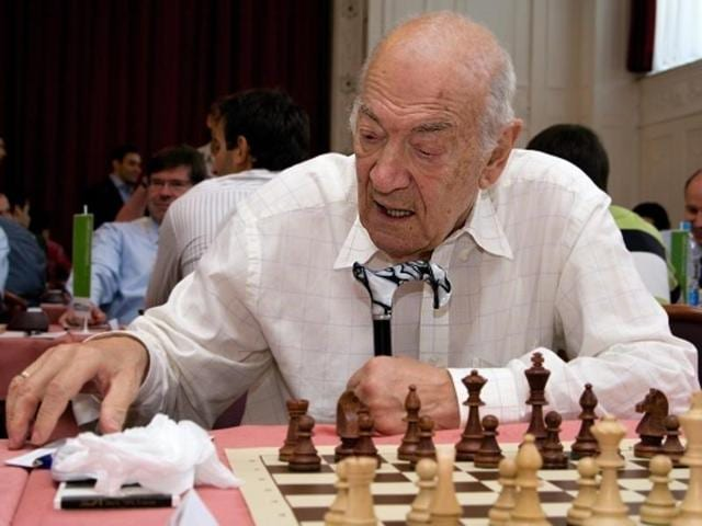 Chess grandmaster and four-times Soviet chess champion Viktor Korchnoi has died aged 85.