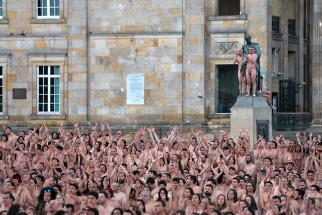 nude photo project,Colombia,Spencer Tunick
