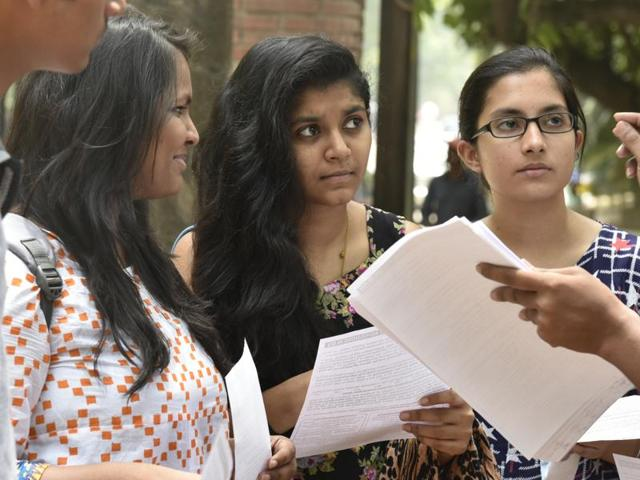 Du Admissions 1 Cap In Cutoff Relief To Girls Faces Criticism Cities Hindustan Times