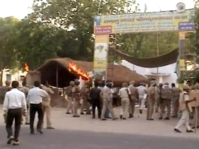 Residents of Ghazipur's Raipur Baghpur village have refused to go to Mathura to take the body of Ram Vriksh Yadav, the alleged mastermind of the Jawahar Bagh violence. Raipur Baghpur is the native village of Ram Vriksh.