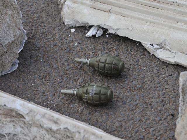 Grenade attack,Pulwama,CRPF jawans