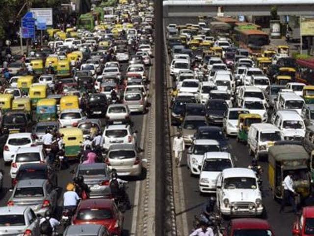 Delhi traffic,Delhi congestion tax,Delhi parking fee