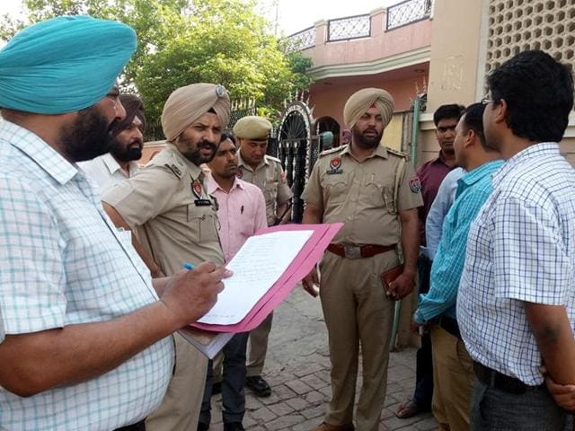 A case has been registered under Section 382 and 34 of Indian Penal Code (IPC) at the Rajpura city police station.