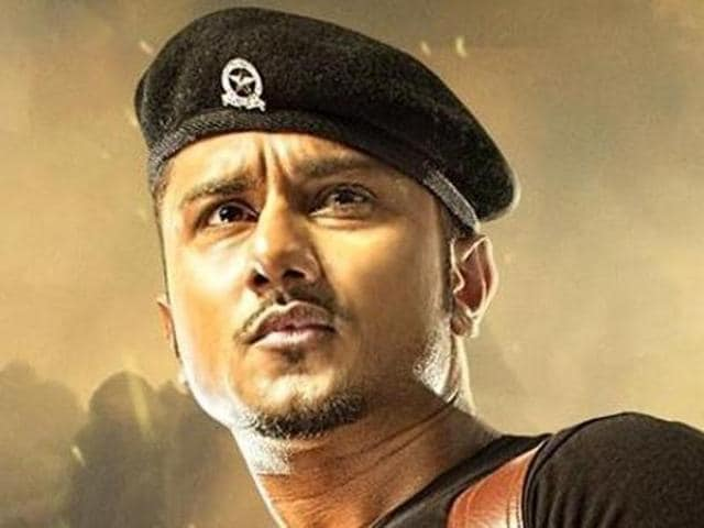 Yo Yo Honey Singh has also been accused of singing songs glorifying alcohol, violence etc.