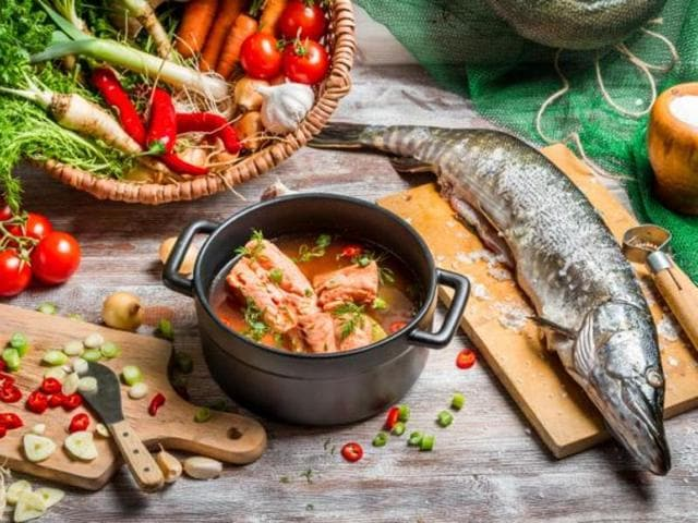 The findings showed that fats from nuts, fish and phenolic-rich vegetable oils found in the Mediterranean diet are healthier than fats from meat and processed foods.